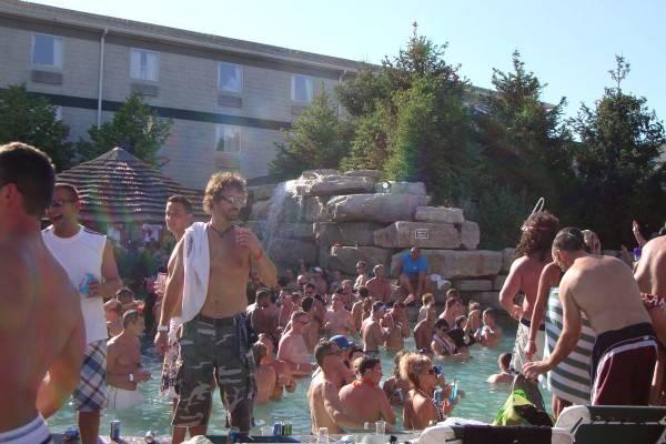 mist pool bar put-in-bay